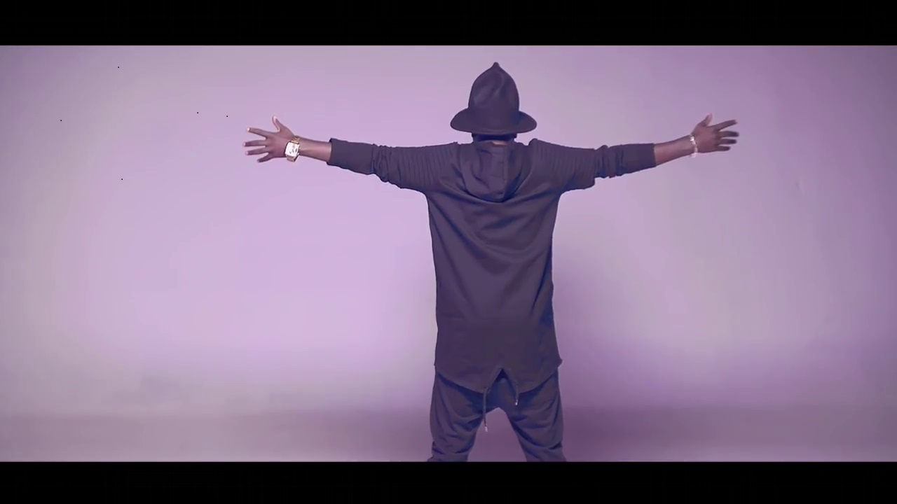 Mista Poa apparait dans son nouveau clip « Tatiana » comme Papa Wemba sur scène avant sa mort, annonce-t-il vraiment sa mort ?