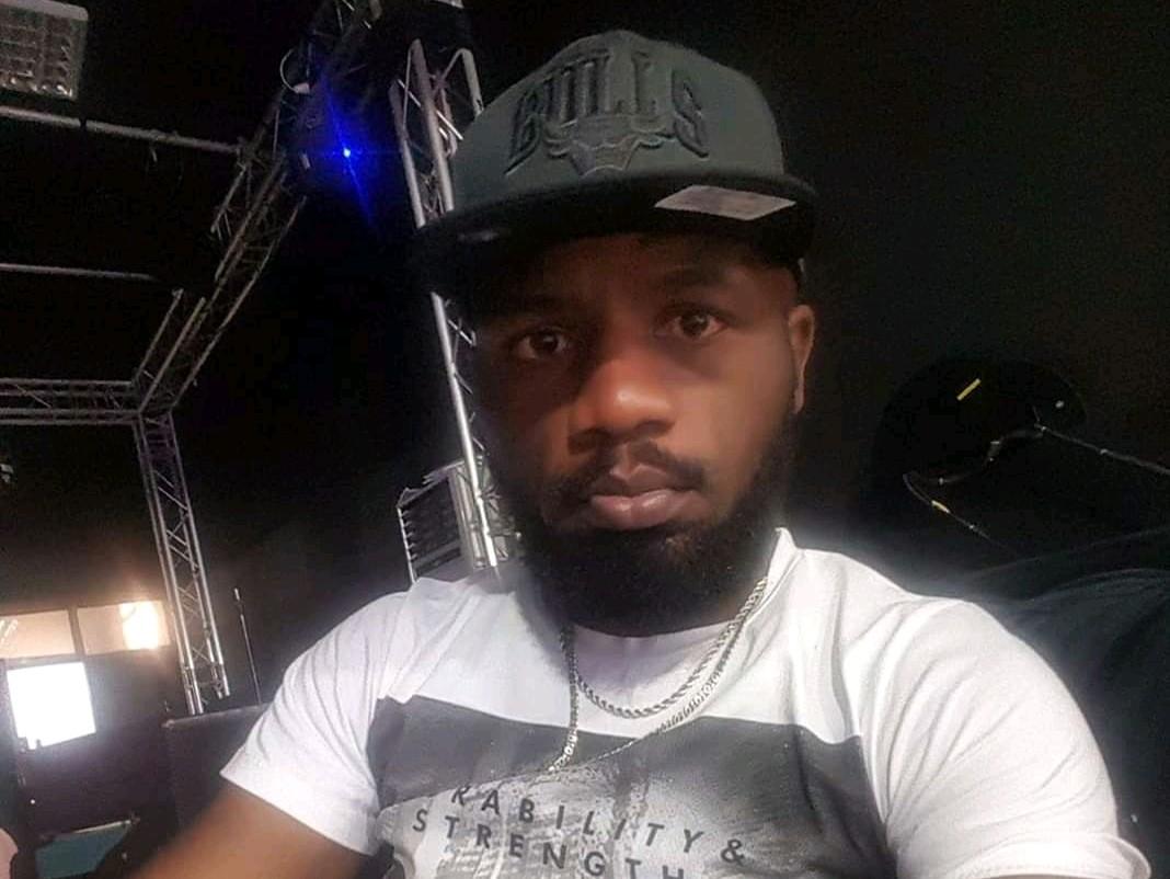 Jc kibombo sort le clip de sa nouvelle chanson Moral d'enfer