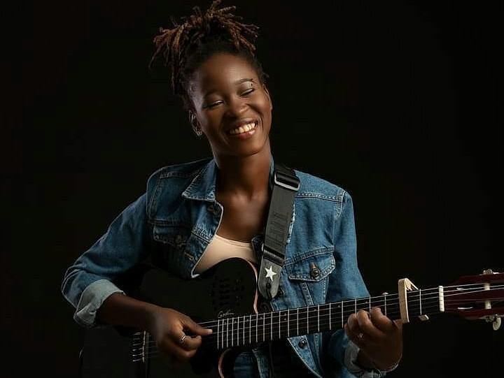 Céline Banza, une perle en tournée Africaine