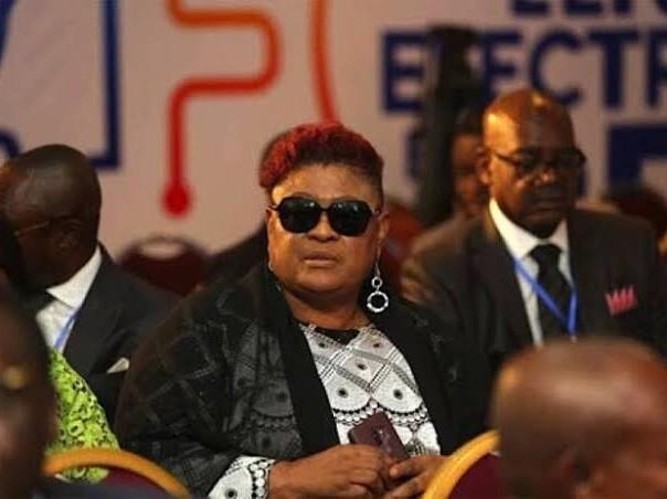La kabiliste Tshala muana parle t-elle à la place de son chef dans sa nouvelle chanson'ingratitude ''?