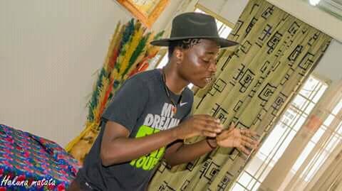 M.J Kintambo, Muda en performance Slam